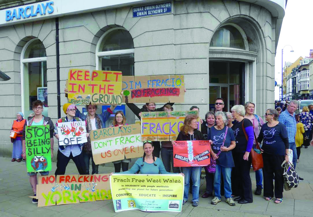 FFWW protesters: outside Barclays bank
