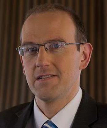 Llyr Gruffydd: WG 'should be setting a better example'